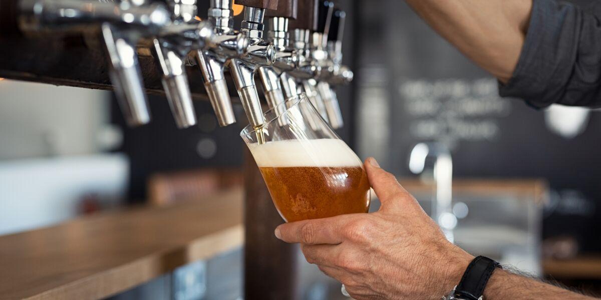 Supprimer l'alcool permet-il vraiment de perdre du poids ? : Femme Actuelle Le MAG