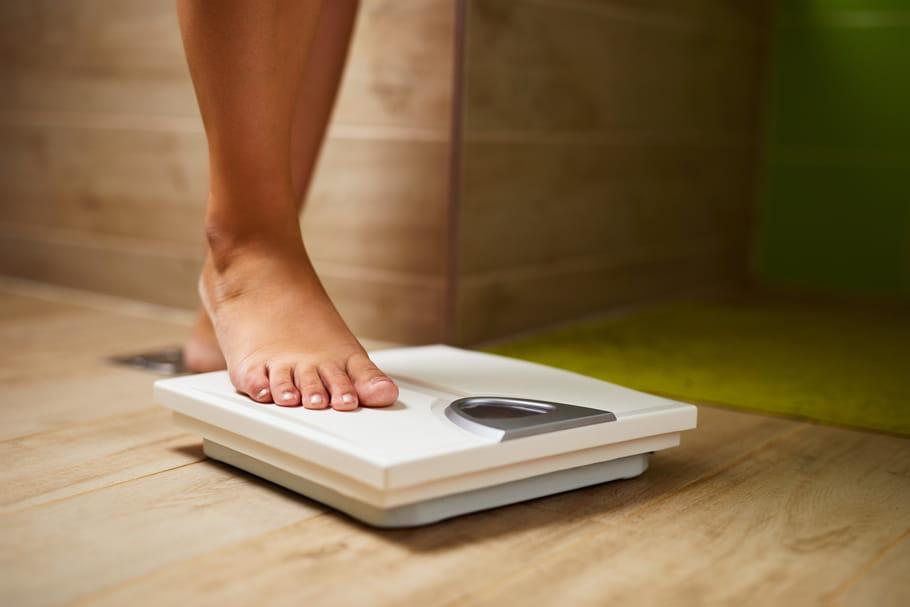 sauter des repas perdre du poids échelle de perte de poids précise