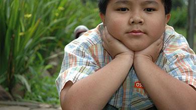 grand garçon parle de perte de poids les parents me forcent à perdre du poids